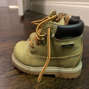 Smart Fit Tan Waterproof Boots Size 5 1/2